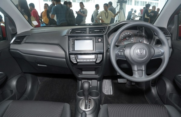 16-50-41-new-mobiliors-interior